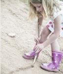 line_in_sand_little_girl