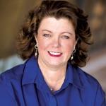 Caucasian woman, headshot, Ellen McDowell, social media trainer